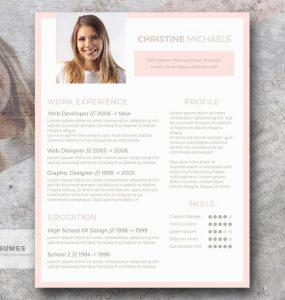 Pristine in Peach - Una plantilla de currículum vitae gratis con colores claros